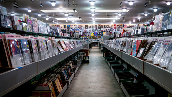 Crate Digger's Paradise : 8 stores you need to look for all your house and techno vinyl needs